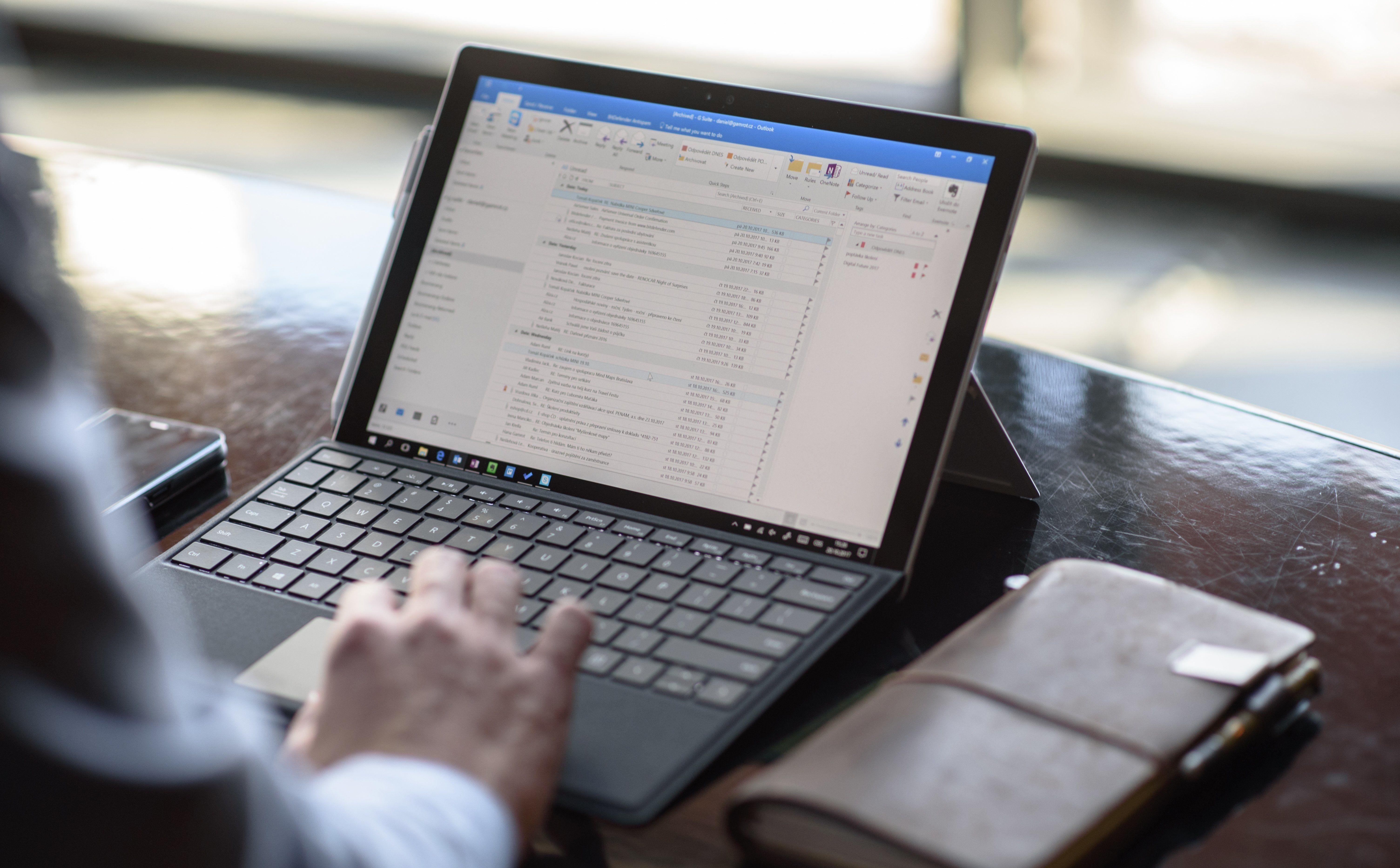 Příklady online e-mailu
